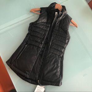 NWT Lululemon Down Vest in Black - Never Worn!